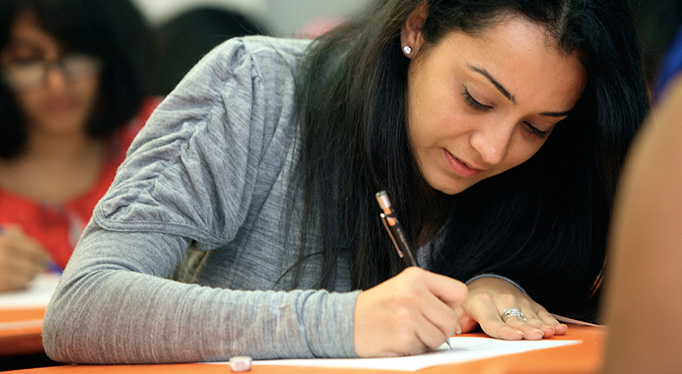 fashion designing degree :  india best courses goods